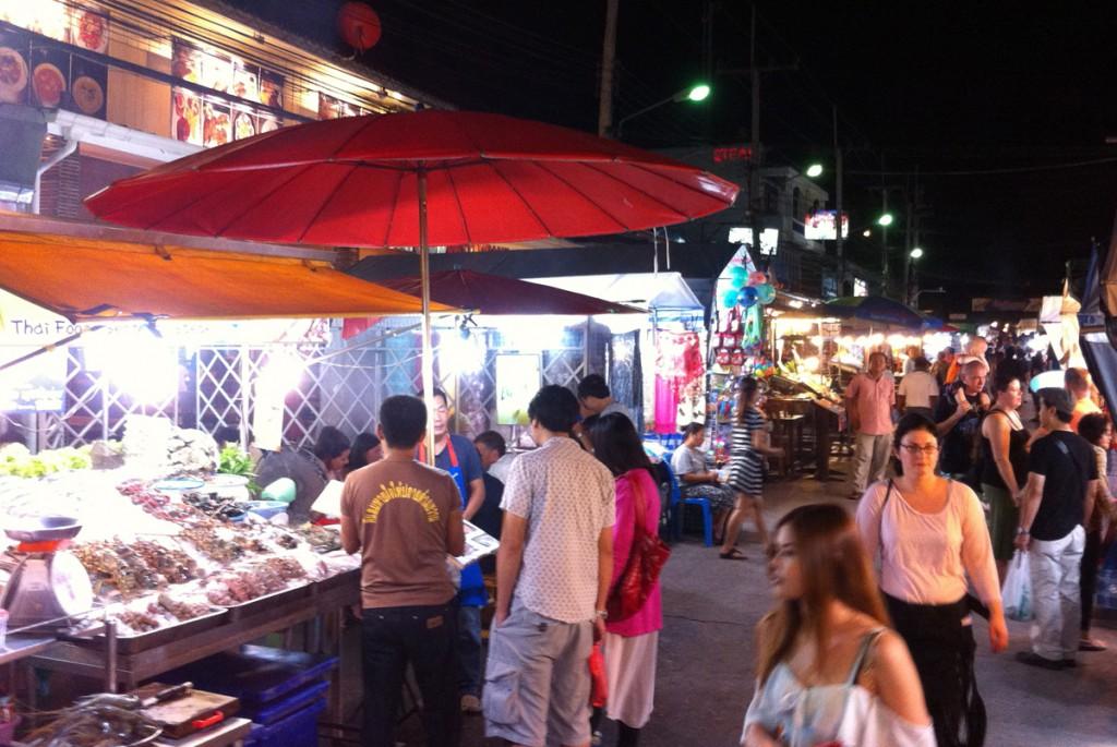 Natmarkedet i Hua Hin er en livlig affære